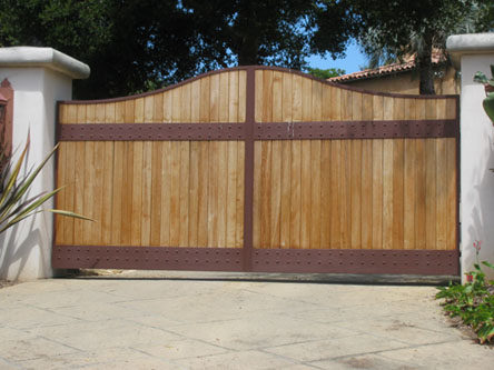 Single swing driveway gates images for Single wooden driveway gates